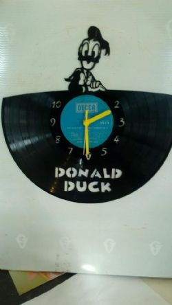 Donald Duck Top Vinyl Record Clock
