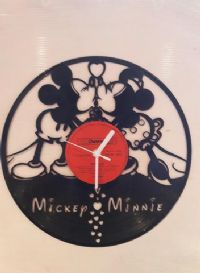 Mickey Mouse And Minnie Classic Kissing Vinyl Record Clock
